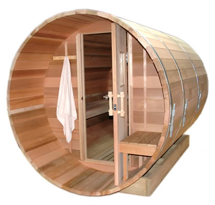 Barrel sauna with traditional door
