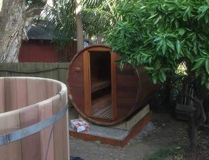 Barrel sauna and hot tub