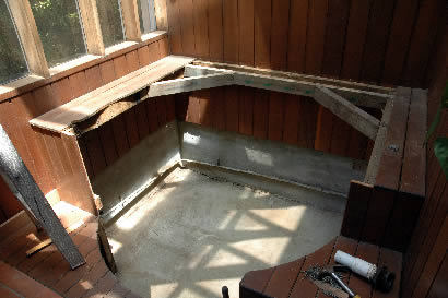 Tub decking space