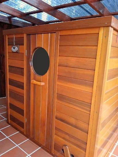 Ukko log sauna with digital controls