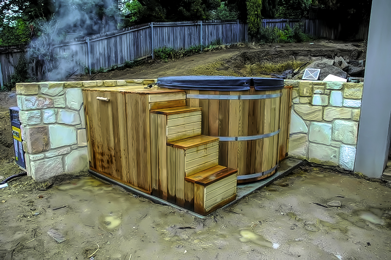 Gas heated hot tub with steps