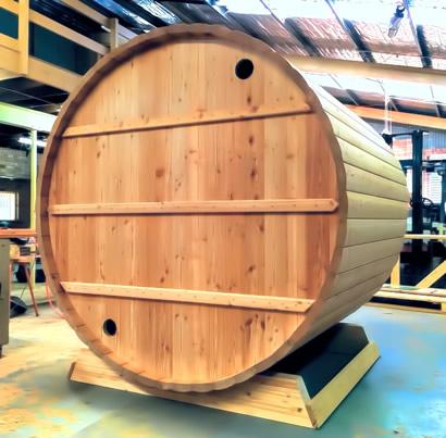 Ukko Larch Barrel back wall